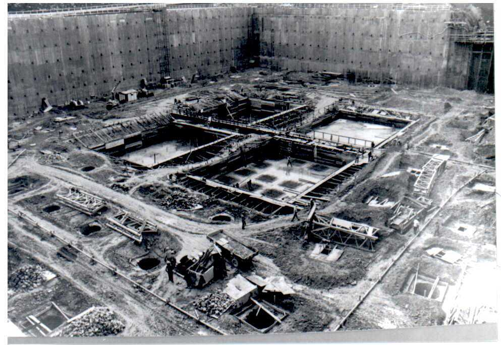 Construction of the main building of the Central Bank